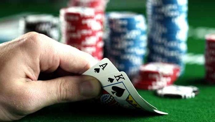 cach-choi-bai-poker.jpg