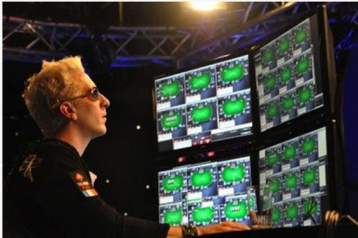 choi poker online 2.jpg