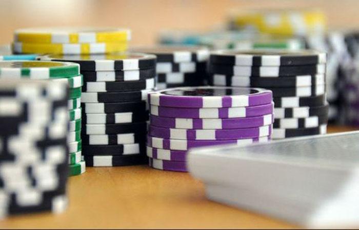 danh-bai-Poker.jpg