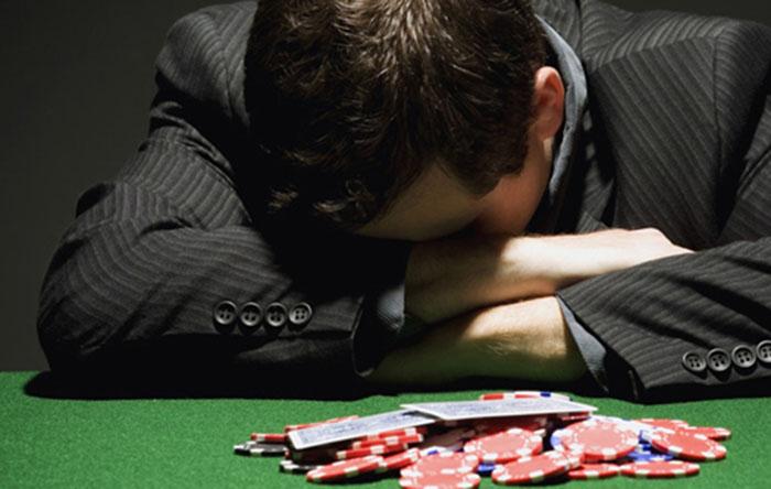 kinh-nghiem-choi-poker1.jpg