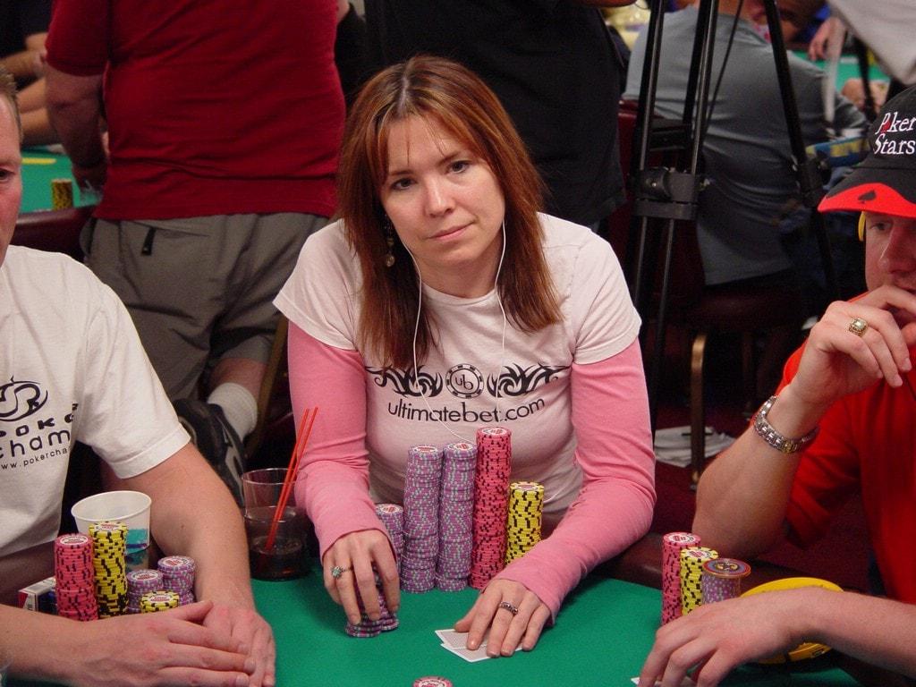 poker-vietnam-min.jpg